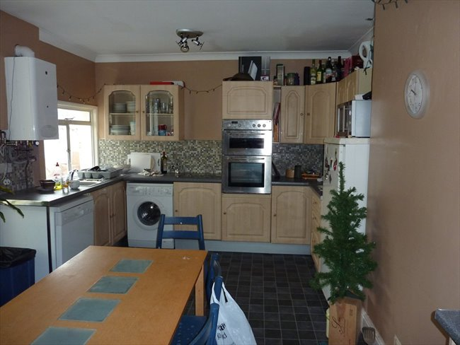 Room to rent in Barbican - Furnished Bills Inclusive Rooms Beaumont Rd - Image 1