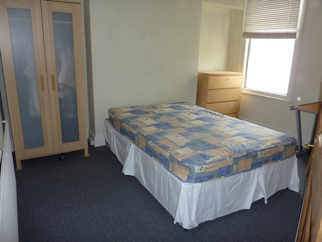 Room to rent in Barbican - Furnished Bills Inclusive Rooms Beaumont Rd - Image 4
