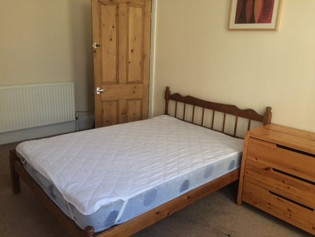 Room to rent in Barbican - Furnished Bills Inclusive Rooms Beaumont Rd - Image 5