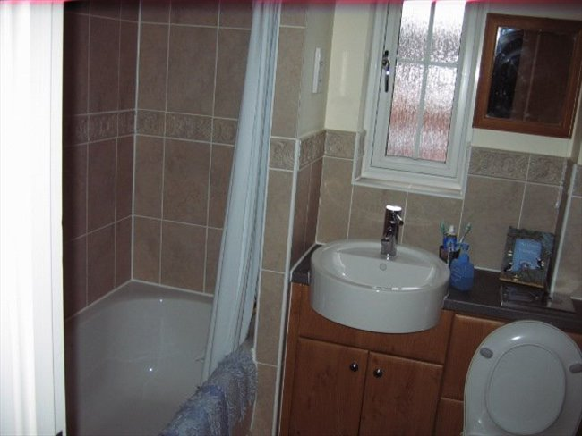 Room to rent in Great Yarmouth - Single room to rent with use of own bathroom - Image 4
