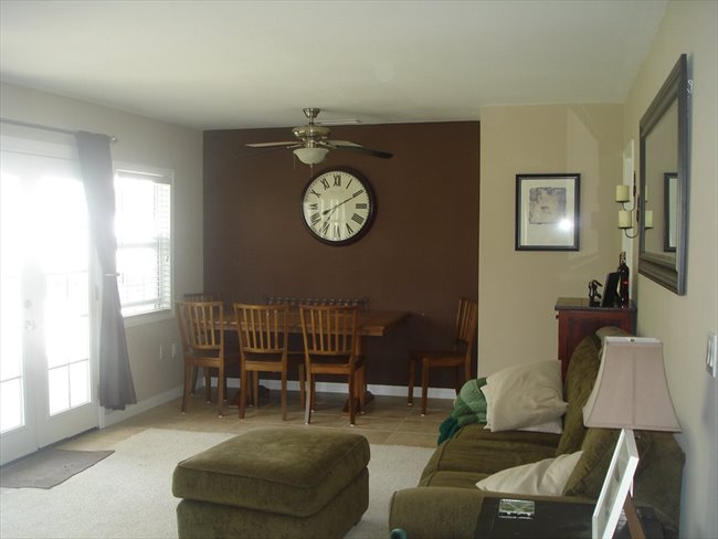 Room for rent in Moorpark - Cute 3 bedroom house, looking for a 3rd housemate - Image 1