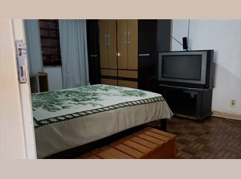 EasyQuarto BR - quarto em condomínio, internet, tv, churrasqueira, Santo Amaro - R$ 1.100 Por mês