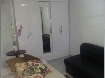 EasyQuarto BR - Quarto para moça, casa de família, Brasília - R$ 800 Por mês