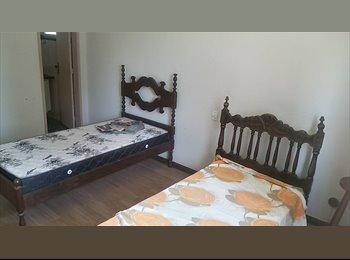 EasyQuarto BR - Alugo vaga p/ moças estudantes,pref. do UP, imobiliado, ambiente familiar, Vitória - R$ 550 Por mês