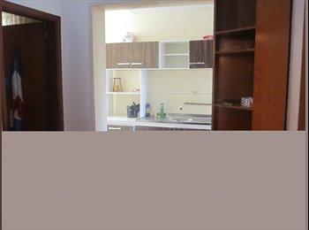 EasyQuarto BR - alugo apartamento com 2 quartos, Caxias do Sul - R$ 400 Por mês