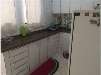EasyQuarto BR - Alugo quarto para MULHERES, Vitória - R$ 600 Por mês