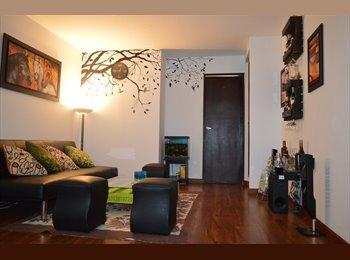 CompartoApto CO - Se arrienda Habitación Frente al Centro Comercial Bulevar Niza, Bogotá - COP$550.000 por mes