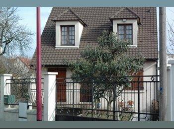 Appartager FR - Grande Maison BEZONS, 1 chambre dispo 04/06/17, Bezons - 532 € /Mois