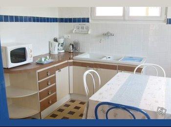 Appartager FR - chambre dispo le 01/06/2017 ds maison en colocation sur Eybens limite St Martin d'Hères et de Grenob, Poisat - 285 € /Mois