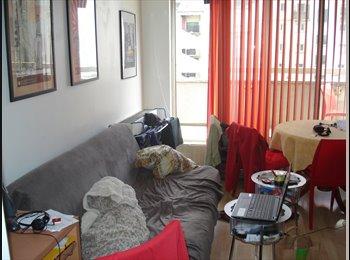 Appartager FR - chambre a louer dans un duplex, Clichy - 450 € /Mois