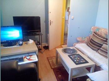 Appartager FR - Pièce double : Chambre + salon, T4 très proche  université, Dijon - 320 € /Mois