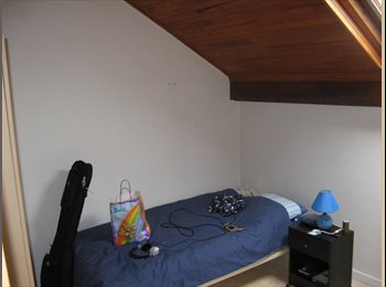 Appartager FR - Chambre meublé Dispo dans colocation sympa, Poisat - 380 € /Mois