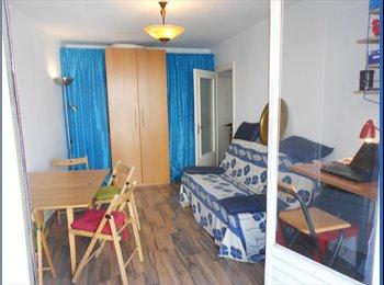 Appartager FR - Chambre salon, 11ème Arrondissement - 800 € /Mois