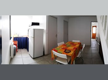 Appartager FR - CHAMBRE MEUBLEE EN COLOCATION, Angers - 325 € /Mois