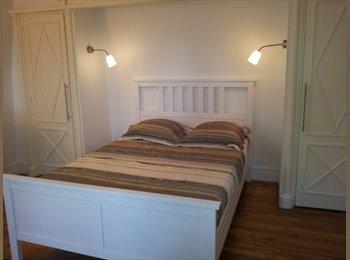 Appartager FR - Chambre avec salle de bain privée, grande maison confortable, Bezons - 745 € /Mois