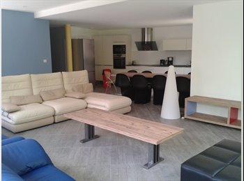 Appartager FR - chambre MEUBLEE dans MAISON NEUVE, Pessac - 515 € /Mois