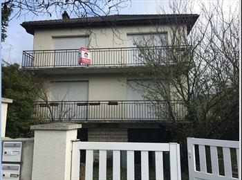 Appartager FR - collocation maison agréable, Palaiseau - 500 € /Mois