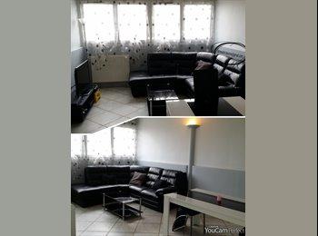 Appartager FR - 1 Chambres dans appart spacieux-au pied du tram pres La Defense, Bezons - 480 € /Mois