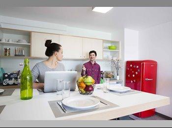 Appartager FR - Colocation 5 personnes avec terrasse, Beaucouzé - 489 € /Mois