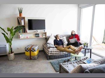Appartager FR - Colocation 5 personnes avec terrasse, Beaucouzé - 599 € /Mois