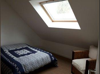 Appartager FR - A louer chambre meublée dans maison, Angers - 450 € /Mois