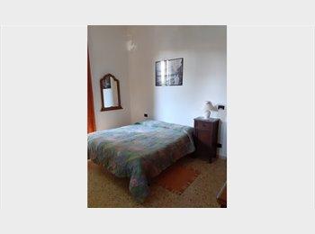 EasyStanza IT - Ampia camera singola, Bagno a Ripoli - € 390 al mese