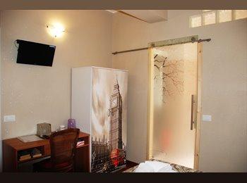 EasyStanza IT - Splendide camere doppie con bagno, Ostia-Fiumicino - € 450 al mese