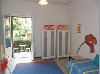 EasyStanza IT - Large room with balcony and free bike , Bagno a Ripoli - € 350 al mese