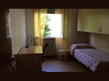 EasyStanza IT - stanza singola per studenti, erasmus o non, Forlì - € 300 al mese