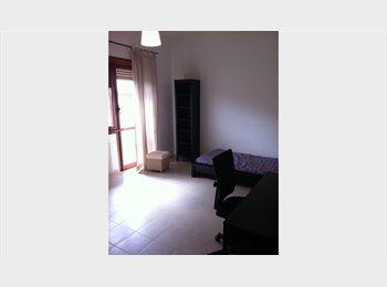 EasyStanza IT - CAMERE SINGOLA SOLO RAGAZZE, CASA MISTA, Firenze - € 400 al mese