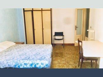 EasyStanza IT - La stanza sul cortile, Aventino-S.Saba - € 480 al mese