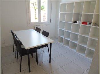 EasyStanza IT - appartamento luminoso da affittare, Parma - € 300 al mese