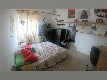 EasyStanza IT - Ampia Stanza zona Don Bosco, Don Bosco-Cinecitta' - € 390 al mese