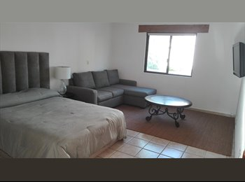 CompartoDepa MX - Compartamos gastos, agradable casa en Juriquilla, Querétaro - MX$5,000 por mes