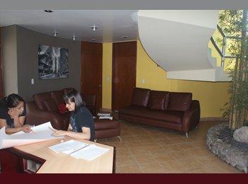 CompartoDepa MX - Habitaciones con baño privado en Edificios M&M, Mineral de la Reforma - MX$1,500 por mes