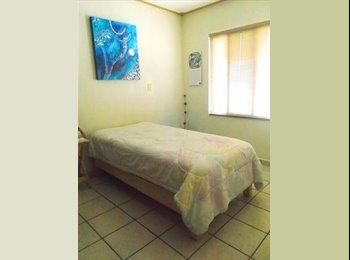 CompartoDepa MX - Buscamos roomie recien llegada a Querétaro., Querétaro - MX$2,750 por mes