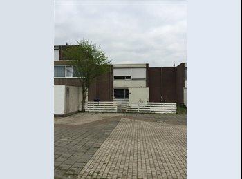 EasyKamer NL - Studentenkamer in het groene Zwanenveld, Nijmegen - € 285 p.m.