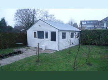 EasyKamer NL - Te Huur gastenverblijf / tuinstudio in Prinsenbeek, Breda - € 400 p.m.