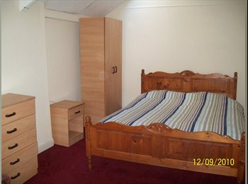 EasyRoommate UK - VERY LARGE ROOM TO LET, Weston-super-Mare - £380 pcm