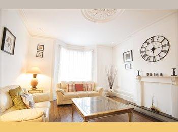 EasyRoommate UK - Great double bedroom, Macclesfield - £530 pcm