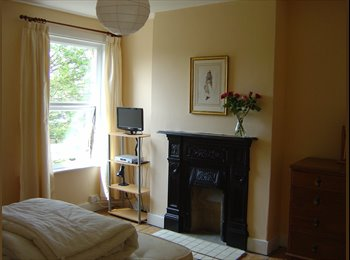 EasyRoommate UK - A LOVELY ROOM IN A FRIENDLY HOUSE, Hither Green - £525 pcm
