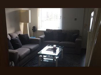 EasyRoommate UK - NO BILLS,Dbl RM in nice house by the river in city, Kinning Park - £400 pcm