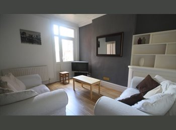 EasyRoommate UK - 2 Double rooms - Utility bills included, Westcotes - £330 pcm