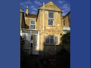 EasyRoommate UK - Single room on uni bus route, 10 mins from centre, Bath - £420 pcm