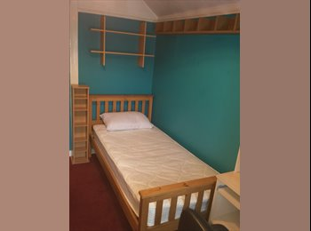 EasyRoommate UK - Available now, clean, quiet single Bedroom.All bills inc., Hengrove - £390 pcm