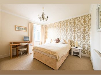 EasyRoommate UK - Excellent Location Double Rm - 10 minutes to Westfield City, Gants Hill - £670 pcm
