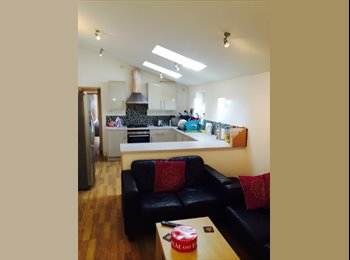 EasyRoommate UK - Superb 6 Bed Student House All Bills Included, Stirchley - £377 pcm