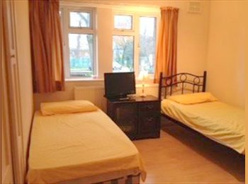 EasyRoommate UK - A furnished spacious room to rent, Wembley Park - £500 pcm