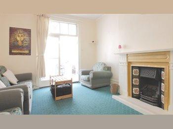 EasyRoommate UK - 4 Bright Dble Rooms Zone 2, 5 mins St John's/Lewisham, Brockley - £600 pcm