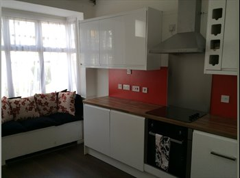 EasyRoommate UK - Ensuite Double bedrooms - Spotless, Selly Oak - £498 pcm